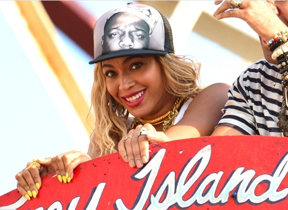 Beyonce Rides Coney Island's Cyclone