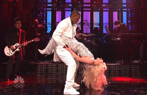 Lady Gaga + R. Kelly Perform Live