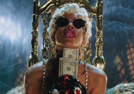 Did Rihanna Almost Go Bankrupt!?