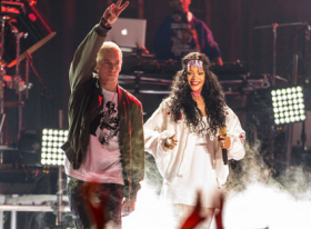 Rihanna and Eminem Perform At The MTV Movie Awards