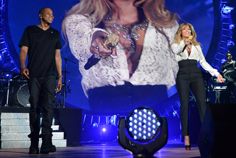 """Jay Z And Beyonce Perform """"Holy Grail"""" & """"Young Forever"""" At Global Citizen Festival"""