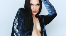 jessie-j-cosmopolitan-magazine-uk-november-2014-issue_3
