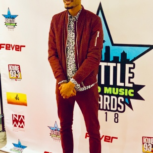 BennettKnows hosts Seattle Sound Music Awards Red Carpet. (November 2018).